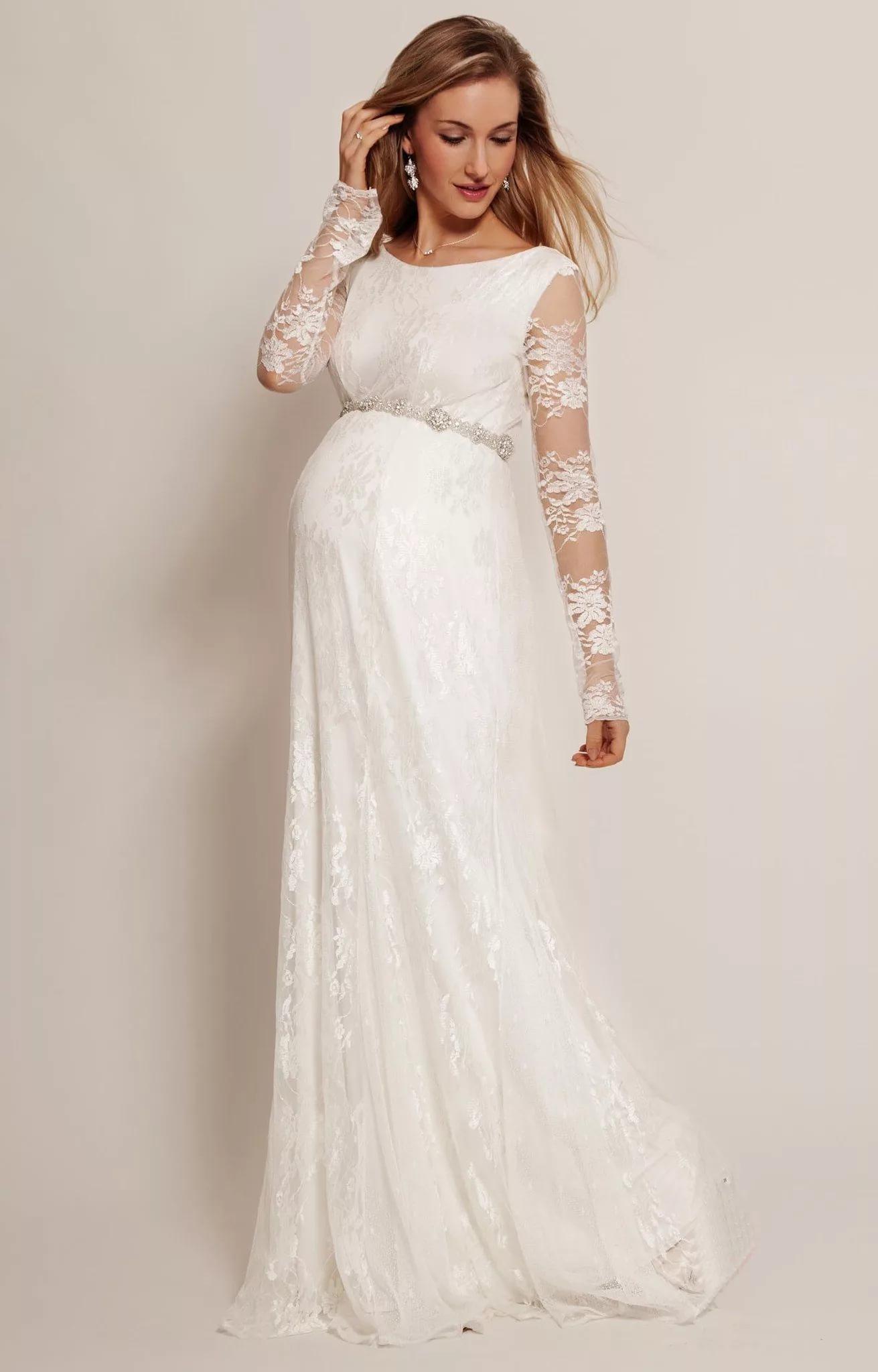 98f0593195d Платье в стиле бэби долл. Такая модель платья не будет стеснять ни одно  движение в такой ответственный день и при этом прекрасно скроет  округлившийся живот.